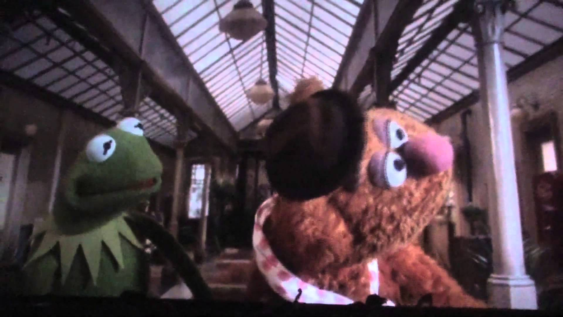 muppets looking